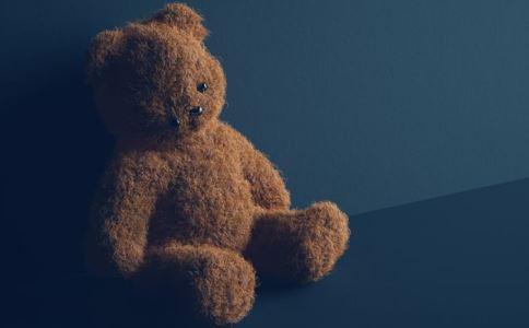 新生遭到死亡威胁 被害妄想症的表现 被害妄想症怎么治疗