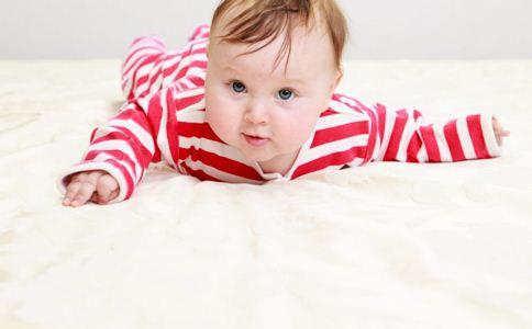 宝宝爬行的好处 如何教宝宝爬 宝宝爬行有什么好处