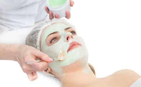 秋季皮肤干燥如何敷面膜 敷面膜的方法 如何正确敷面膜