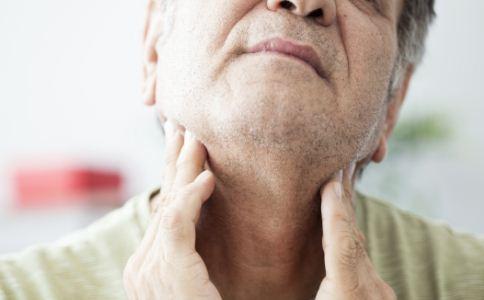 扁桃体发炎咽喉痛可以吃阿莫西林吗 扁桃体发炎咽喉痛吃什么好 扁桃体发炎怎么办
