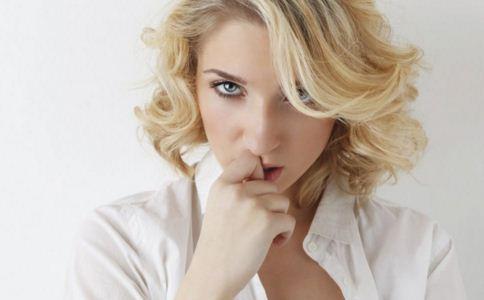 中耳炎的症状有什么表现 中耳炎的治疗方法 中耳炎怎么引起的