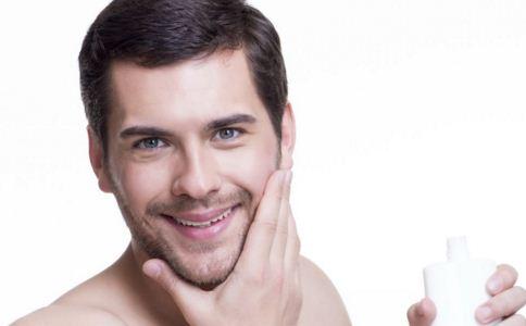 耳朵里长痘痘是怎么回事 外耳道疖有哪些症状 外耳道疖怎么办