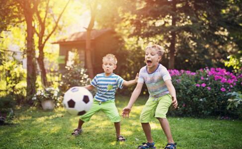 夏季孩子哭闹 小儿急性阑尾炎症状 小儿急性阑尾炎怎么治疗