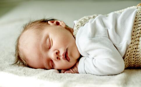 孩子咳嗽时注意 孩子咳嗽 孩子咳嗽什么不能吃