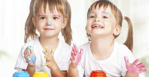 儿童学画画好处多 增长知识培养想象力