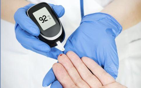 糖尿病病足的症状有哪些 糖尿病病足如何护理 糖尿病病足的护理方法