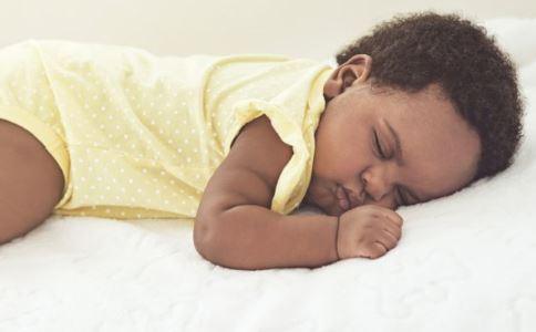 印80万婴幼儿夭折 警惕新生儿3种常见疾病