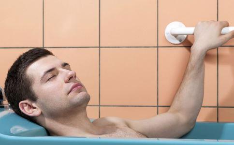 定期沐浴能提高男性的性能力