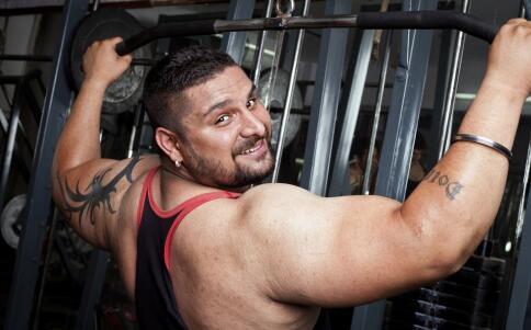如何锻炼上胸肌肉 胸肌上部怎么练饱满 练胸肌注意事项