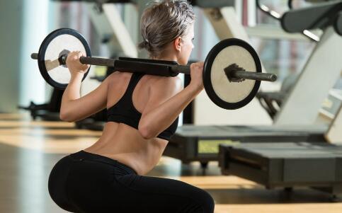 弹力绳怎么练肱三头肌 弹力绳的作用 怎么锻炼三头肌