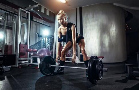 肩部肌肉的训练动作有哪些 如何训练肩部肌肉 怎样锻炼肩部肌肉