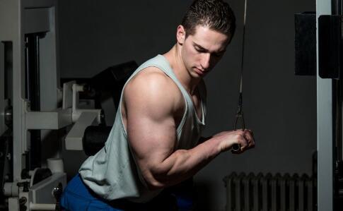 如何锻炼背部肌肉 锻炼背部肌肉的方法有哪些 怎样快速锻炼背部肌肉