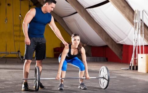 女生需要练三角肌 女生去健身房注意事项 女生三角肌怎么锻炼