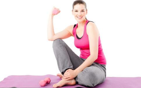 徒手锻炼背阔肌 徒手怎么练背阔肌 么拉伸背阔肌