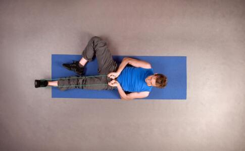 胸大肌怎么锻炼 锻炼胸大肌的动作 练胸大肌注意事项