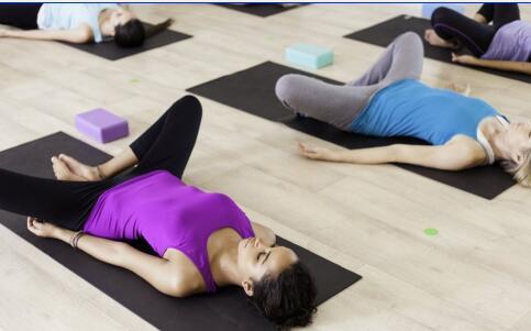 怎么锻炼胸肌 锻炼胸肌的方法 锻炼胸肌注意事项