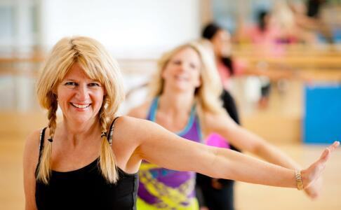 健身如何练马甲线 怎么练出马甲线 练出腹肌的方法