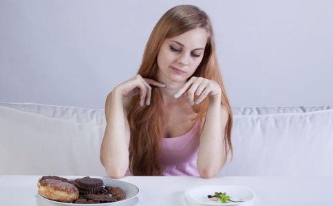 胃溃疡的食疗方法有哪些 胃溃疡该怎么治疗 哪些方法可以治疗胃溃疡