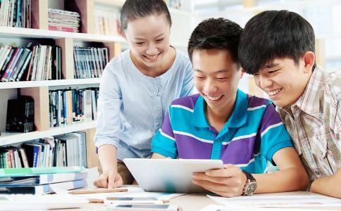 如何对待步入社会的孩子 父母如何教育子女 如何引导孩子就业