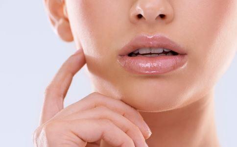 注射丰唇有哪些方式 注射丰唇的材料有哪些 什么是注射丰唇