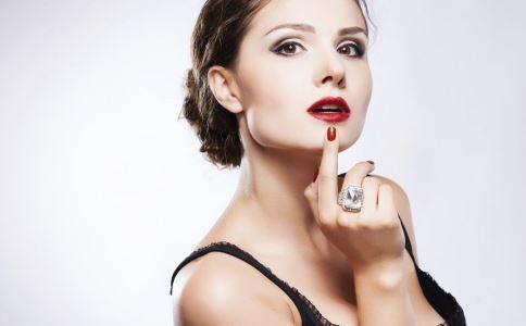丰唇方法有哪些 丰唇有哪些方法 丰唇的方法是什么