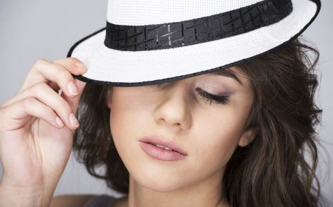 纹眼线需要注意什么 纹眼线要把握什么原则 纹眼线效果如何