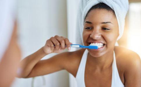 做全瓷牙种植有哪些并发症 做完全瓷牙如何护理 全瓷牙种植效果如何