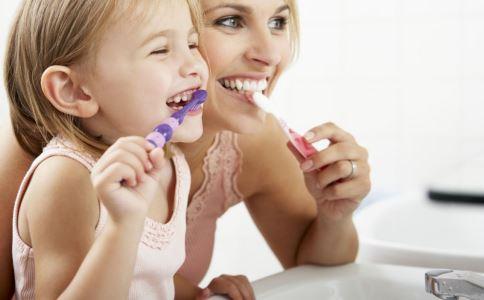 美白牙膏能让牙齿变白吗 美白牙膏能美白牙齿吗 如何美白牙齿