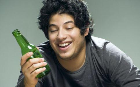 过量喝酒易导致阳痿吗 为什么喝酒就引发阳痿 阳痿怎么预防