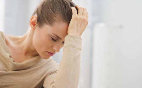 人群恐惧症有哪些症状 人群恐惧症有什么症状 人群恐惧症有什么表现