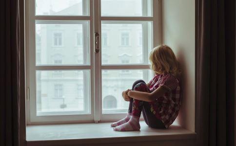抑郁症的早期症状 抑郁症的治疗方法 引起抑郁症的病因