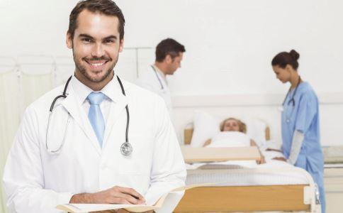 为什么会患上阑尾炎 引起阑尾炎的原因有哪些 阑尾炎有什么症状