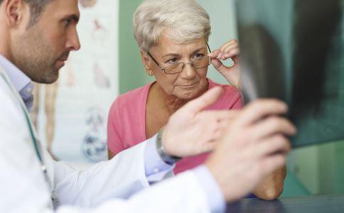 食道癌的早期症状 食道癌的注意事项 食道癌不能吃什么