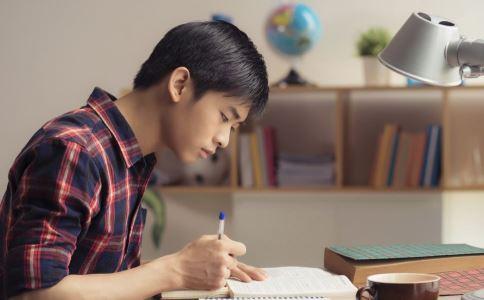 孩子为什么突然不想上学 孩子突然不想上学怎么办 孩子心思不在学习上怎么办