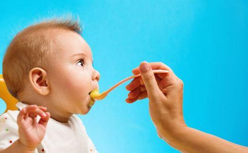 宝宝不爱吃辅食 妈妈用4招轻松搞定
