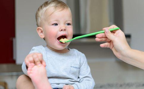 宝宝不爱吃辅食怎么办 宝宝辅食添加顺序 宝宝辅食大全