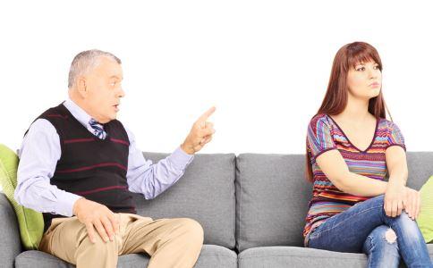 人老多疑?老年人疑心病重是什么原因