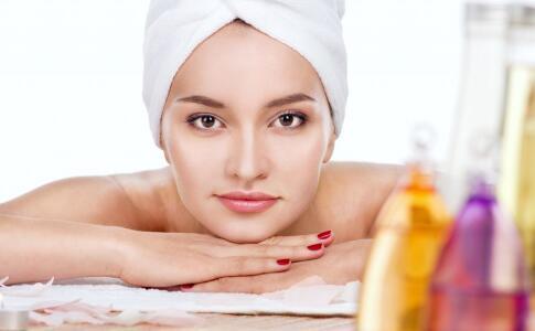 女性皮肤干燥的原因有哪些 护肤要吃哪些食物 哪些食物有助护肤