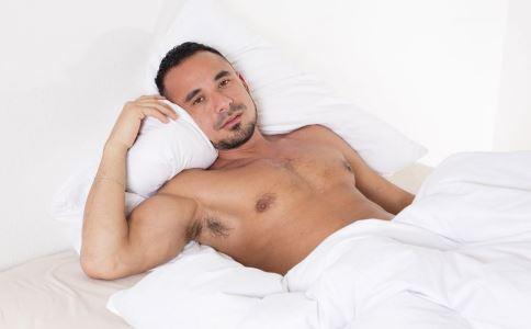 男人睡姿要正确 随便乱睡会导致不育