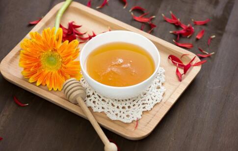 秋季口干舌燥 蜂蜜帮你解秋燥