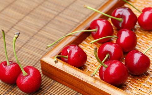 补血养颜吃什么好 补血养颜的水果有哪些 吃哪些水果可以补血养颜