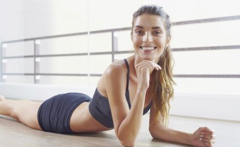 马伊琍180度踢腿 怎么增加身体柔韧度 身体僵硬有哪些危害