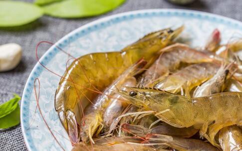 张杰晚餐吃大虾 大虾的热量高吗 减肥可以吃虾吗