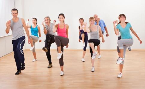 锻炼不足致疾病风险增加 成年人如何运动