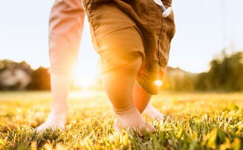 走路姿势能看出身体毛病 这几种姿势你有吗