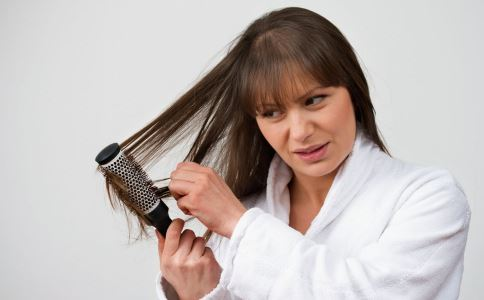 如何梳头 梳头有什么好处 怎么梳头好