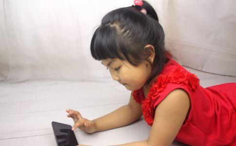 农村青少年手机依赖问题 农村青少年玩手机成瘾 玩手机上瘾怎么办