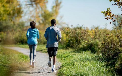 慢跑的好处 慢跑的好处与坏处 慢跑的正确姿势是什么