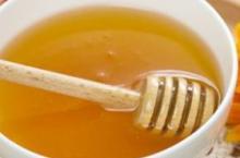 产后喝蜂蜜水好处多 杀菌消毒防便秘