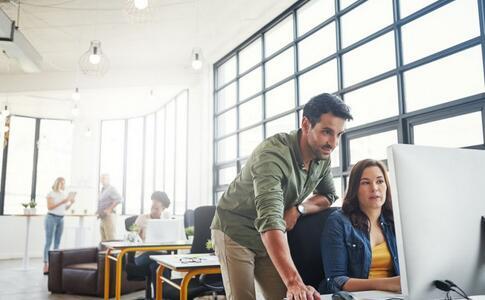 职场说话要注意哪些 职场说话技巧 职场上要怎么说话